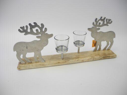 Hirsch auf Holzfuß mit 2 Teelichten (#151160000)